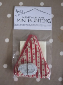mini bunting